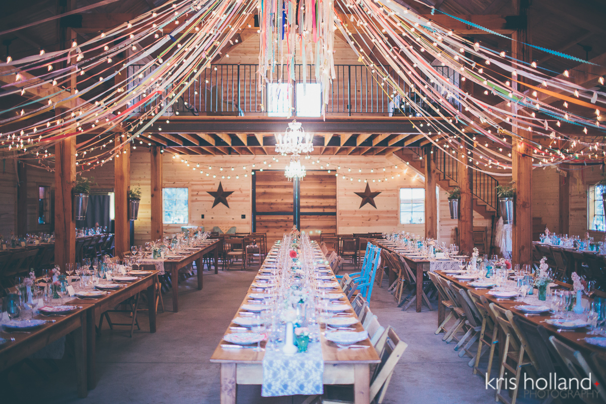 sacramento barn wedding stephanieteagueeventsblog. Black Bedroom Furniture Sets. Home Design Ideas